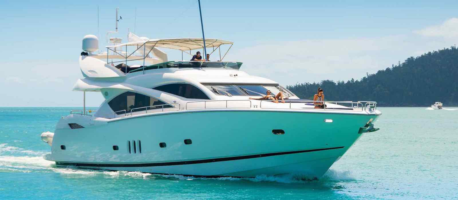 Alani luxury boat hire