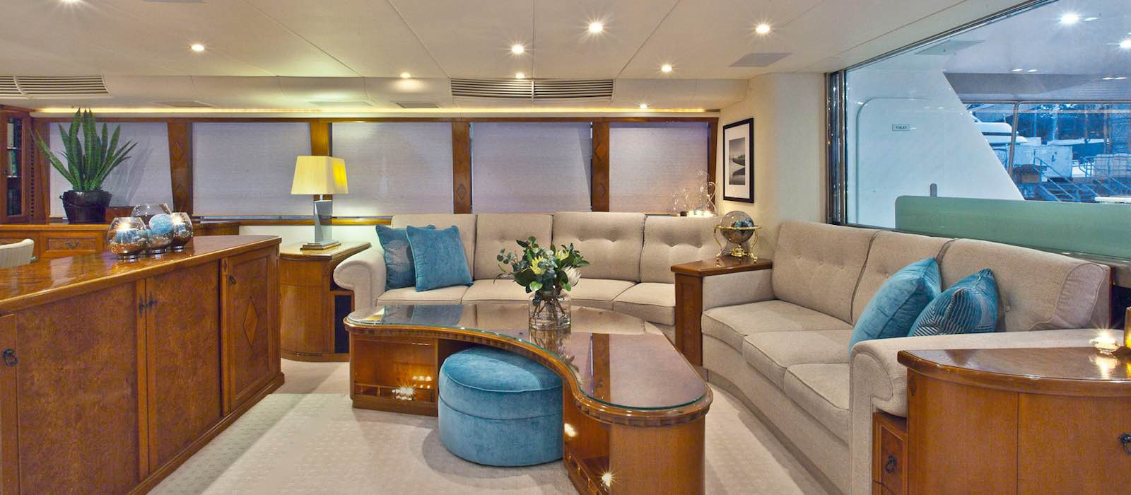 Spacious lounge on Oscar II luxury boat hire