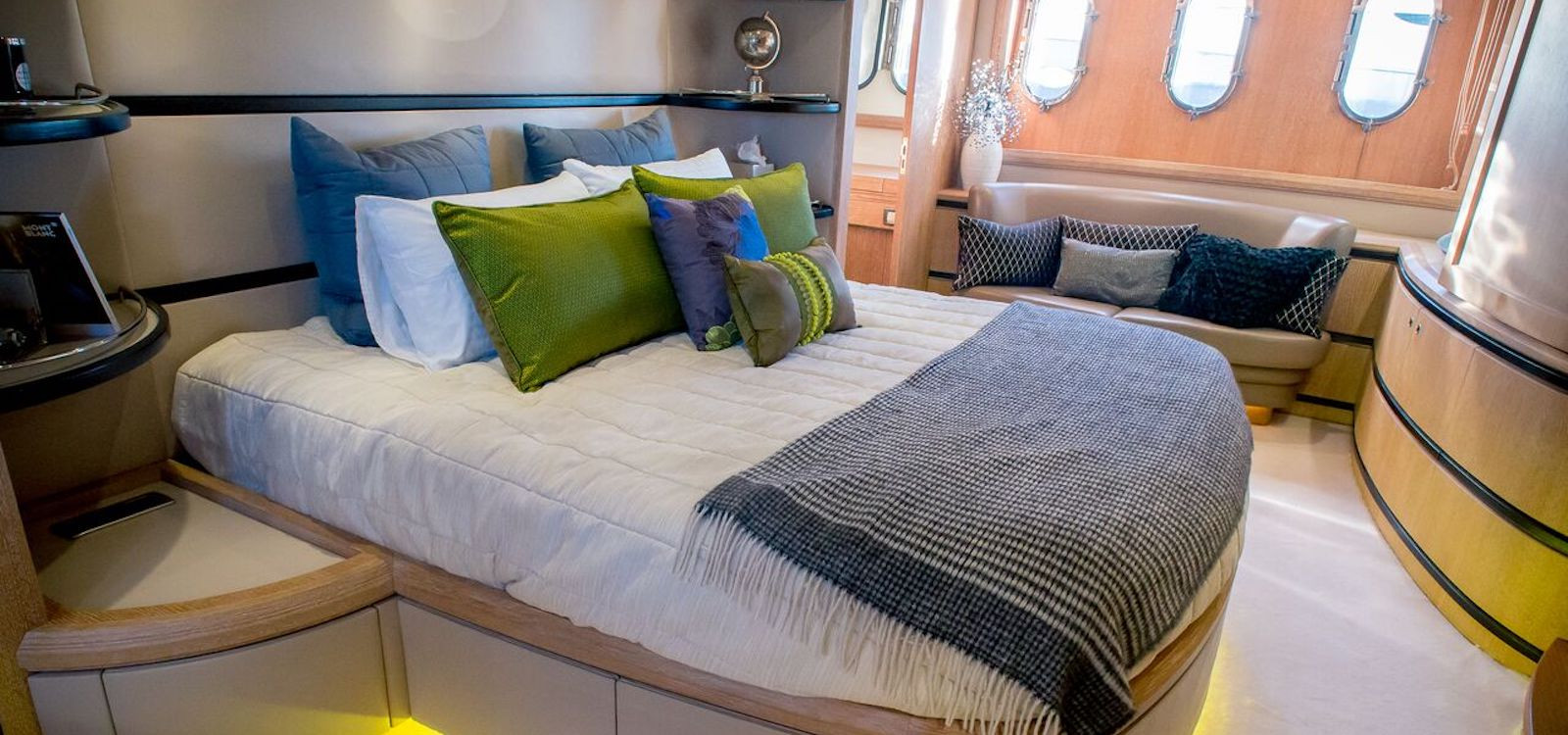 Master cabin on luxury boat hire on Seven Star