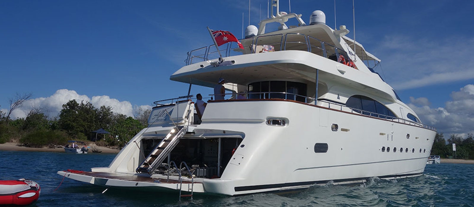 luxury boat hire on Lady Pamela stern view anchored